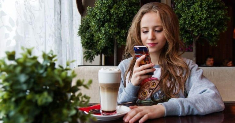 Taking away your child's phone – Is it the best solution?
